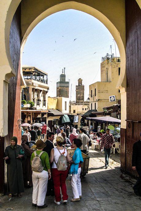 Marruecos Fez Muralla Puerta Medina Turistas
