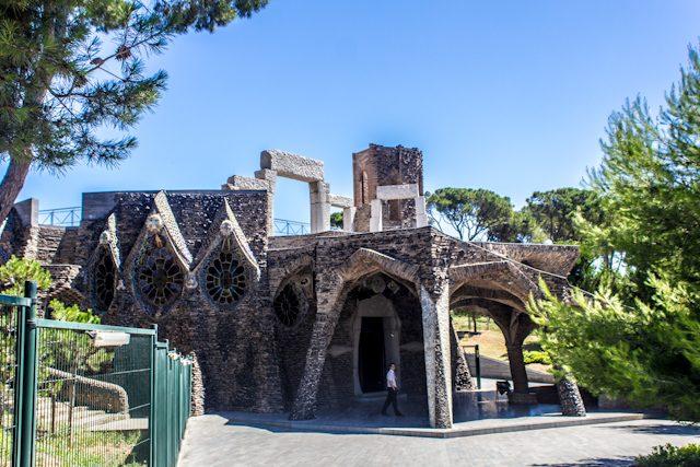 Barcelona Colonia Guell Cripta Gaudi Exterior