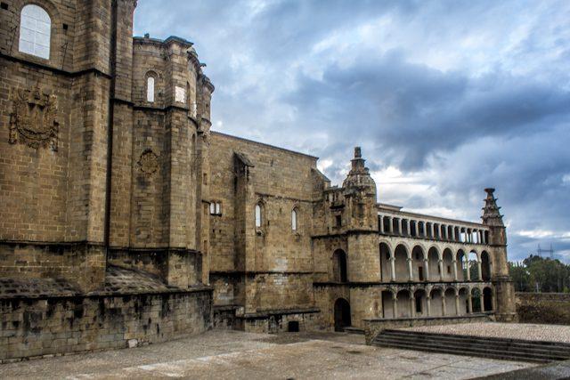 Caceres Alcantara Conventual San Benito Lateral