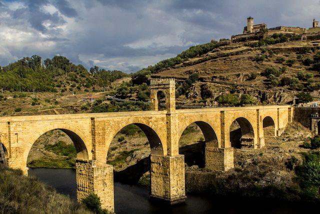 Caceres Alcantara Puente Vista