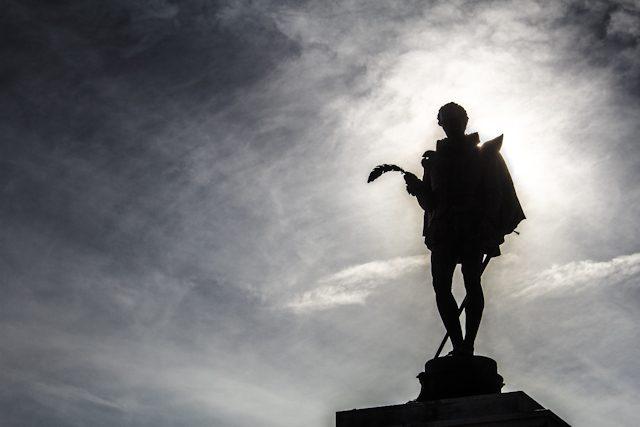 Alcala Henares Estatua Cervantes