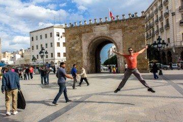 Tunez Medina Bab El Bhar Puerta de Francia Salto