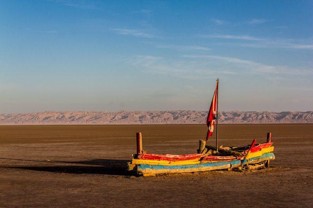 Tunez Lago Salado Barco Chott Jerid