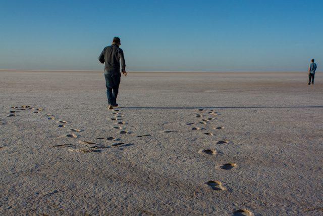 Tunez Lago Salado Caminando