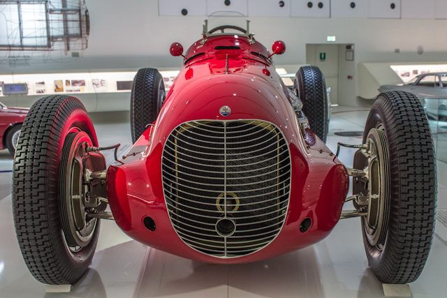 Modena Museo Enzo Ferrari Maserati Clasico Frente