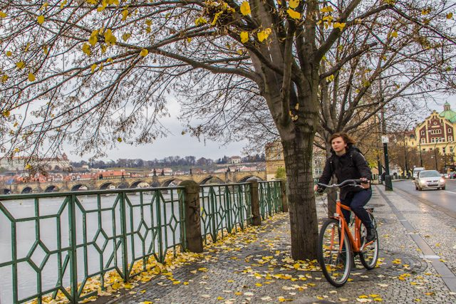 Praga Otono Puente Carlos Bicicleta