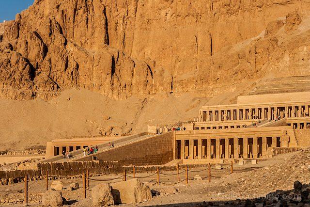 Egipto Templo Funerario Hatshepsut Deir-el-Bahari Lateral