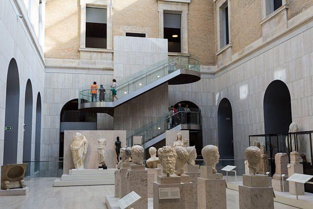 Museo Arqueologico Nacional Patio Interior Escaleras