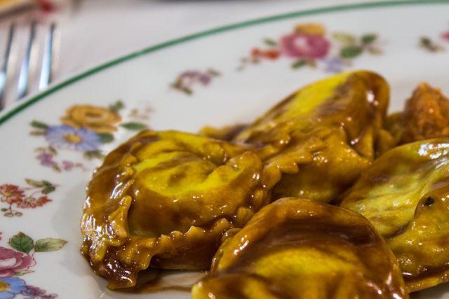 Pasta-Rellena Italiana Modena Tortelloni Vinagre Balsamico