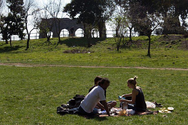 Roma Parque de los acueductos picnic