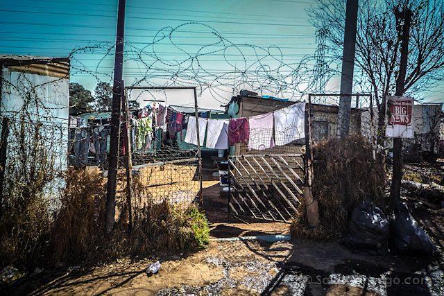 Sudafrica Soweto Casas Alambre Espino