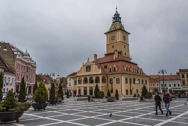 Tour Bucarest Brasov Plaza Ayuntamiento