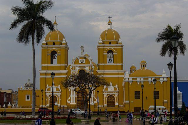 Peru Trujillo Plaza Armas Catedral