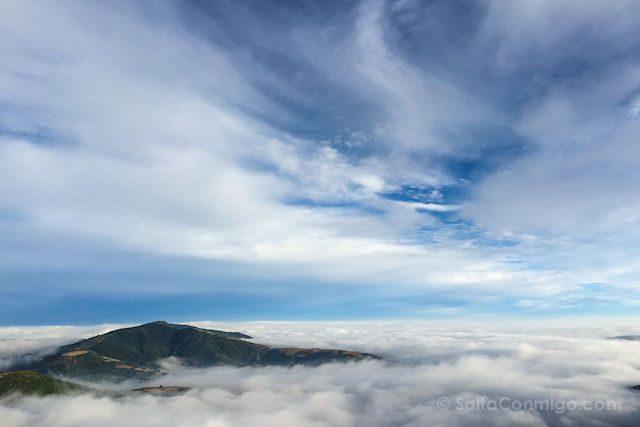 Camino de Santiago Nubes O Cebreiro