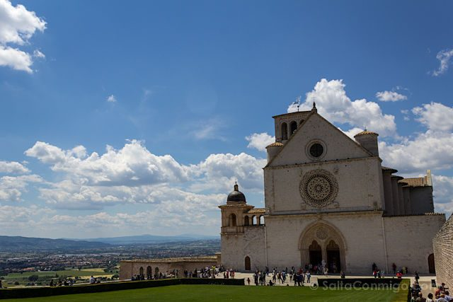 Italia Umbria Assissi Basilica San Francisco Asis Fachada Superior