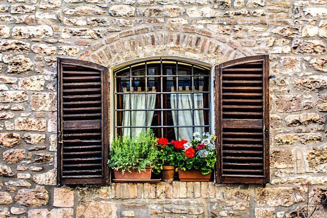 Italia Umbria Assissi Ventanas Flores Asis