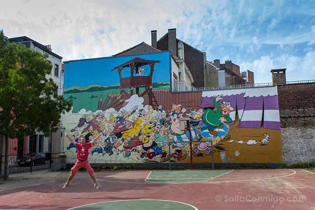 Belgica Bruselas Ruta Comic Mural Asterix Salto