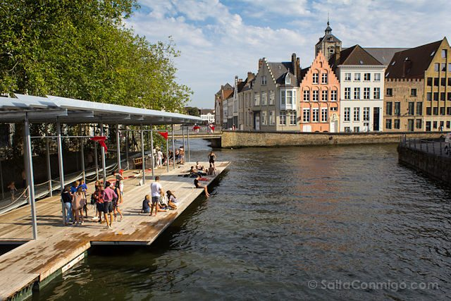 Belgica Flandes Brujas Triennale Canal Swimmer's Club Atelier Bow-Wow