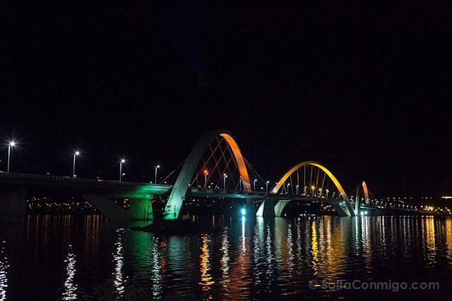 Brasil Brasilia Puente JK Nocturna