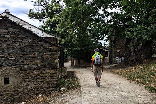 Camino de Santiago Pueblo Mochila