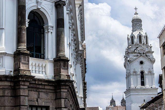 Quito Calle Siete Cruces