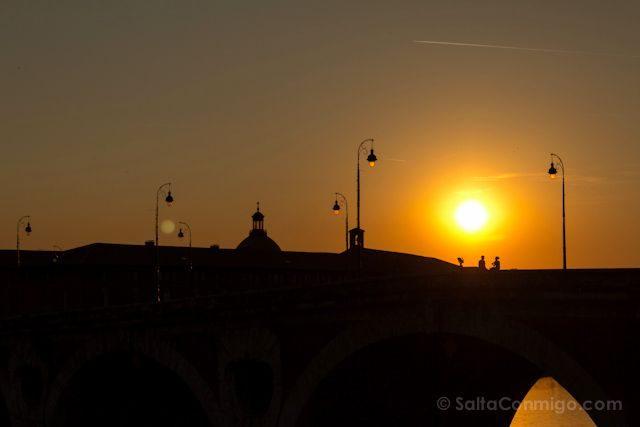 FranciaToulouse Puente Nuevo Puesta Sol Pareja