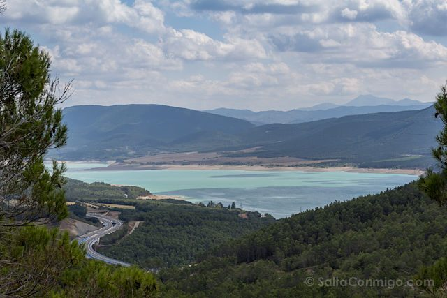 Aragon Embalse Yesa Panorama