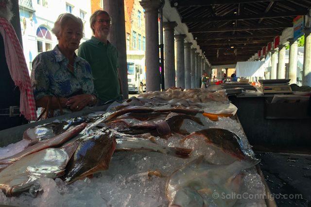 Flandes Brujas Vismarkt Mercado Pescado