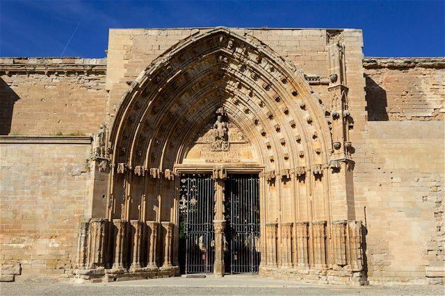 Lleida Seu Vella Catedral Vieja Portada Apostoles