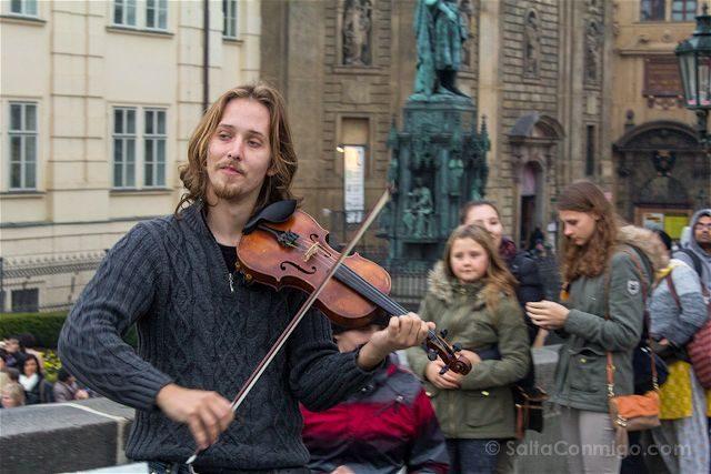 Republica Checa Praga Puente Carlos Musico