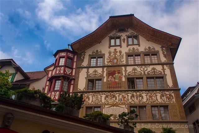 Suiza Lucerna Edificio Fachada Pintada