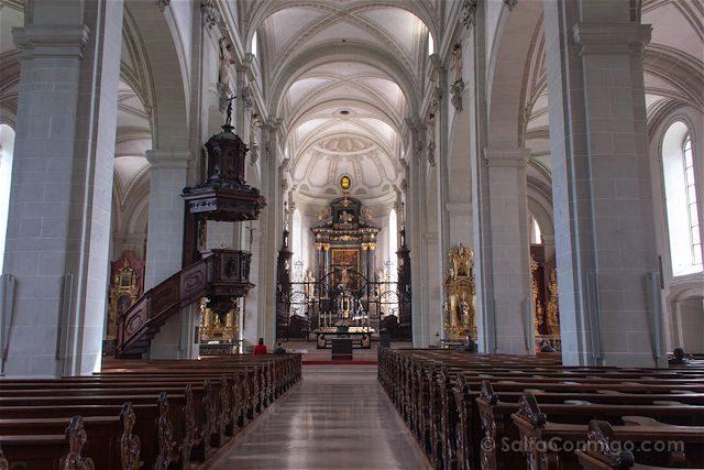 Suiza Lucerna Hofkirche Iglesia Leodegario Interior