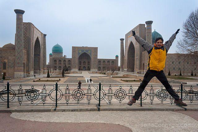 Uzbekistan Samarcanda Plaza Registan Salto