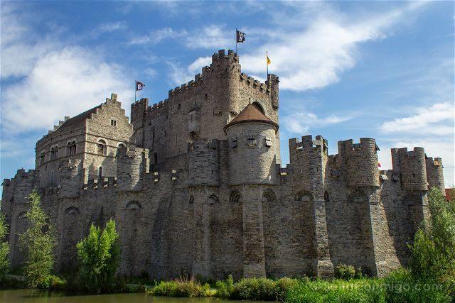 Belgica Flandes Gante Castillo Condes Gravensteen Muralla