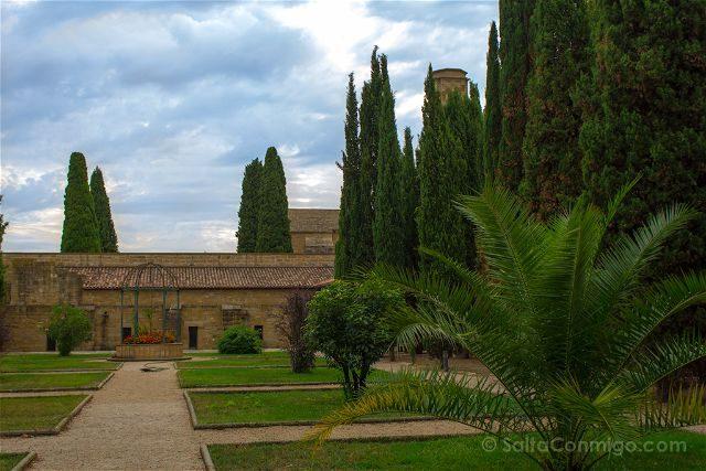 Navarra Monasterio Oliva Jardines