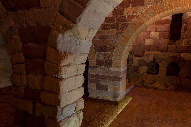 Tarragona Baix Camp Castillo Escornalbou Monasterio Cripta Iglesia