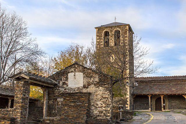 Guadalajara Pueblos Negros Campillo de Ranas Iglesia Santa Maria Magdalena