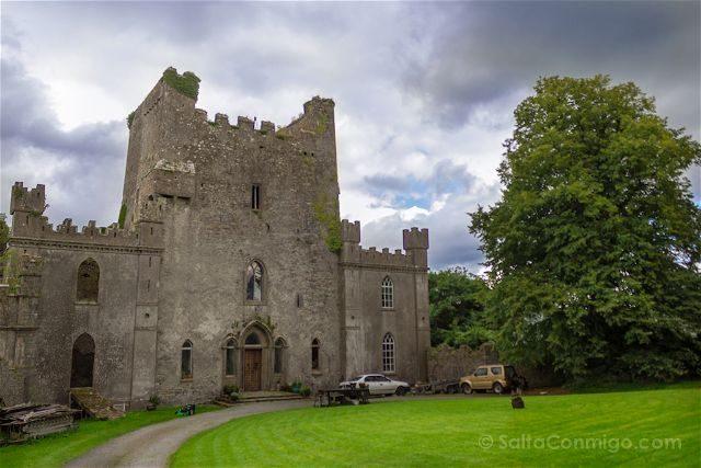 Irlanda Castillo Leap Exterior