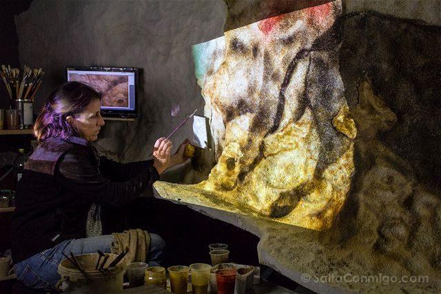Francia Aquitania Cueva Lascaux Pintando Replica Proyector