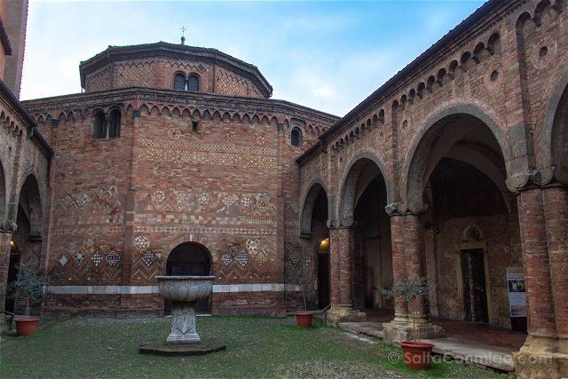 Italia Bologna Bolonia Santo Stefano Interior