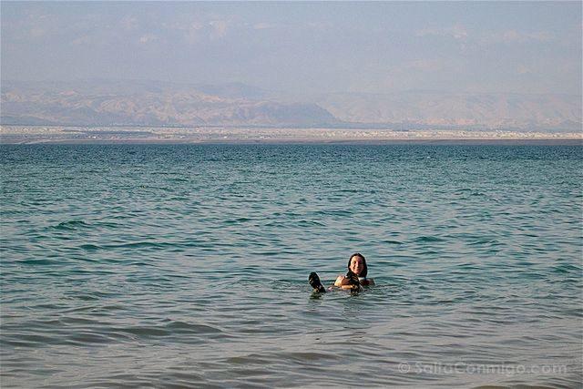 Jordania Mar Muerto Flotando Sara