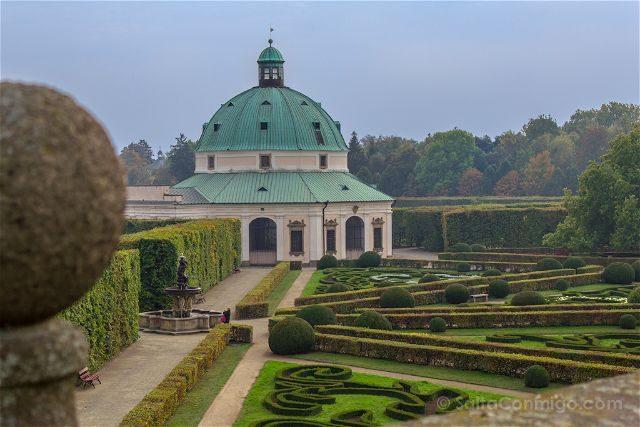 Republica Checa Kromeriz Jardin Flores Kvetna Zahrada Simetria