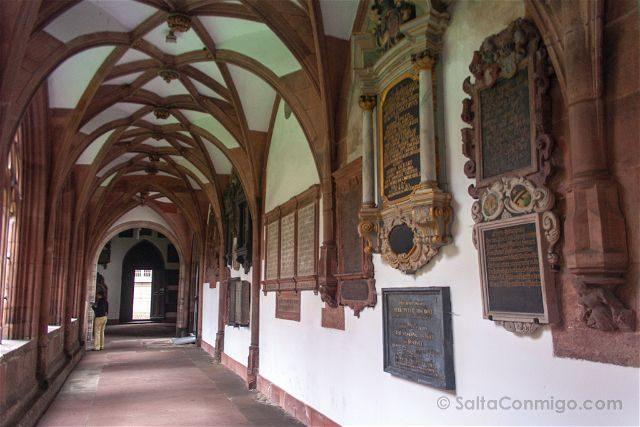 Suiza Basilea Catedral Claustro