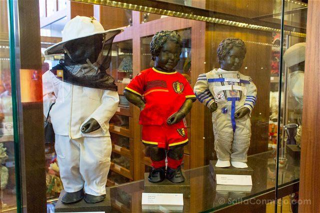 Belgica Bruselas Museo Ciudad Trajes Menneken Pis