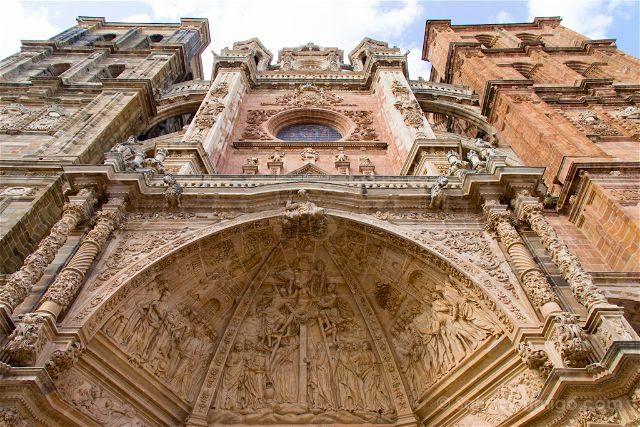 Castilla Leon Astorga Catedral Portada Detalle