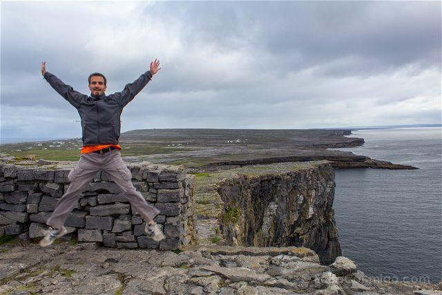 Irlanda Islas Aran Inis Mor Acantilados Dun Aengus Salto