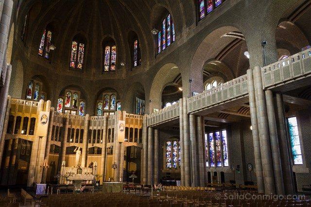 Que Ver En Bruselas Basilica Sagrado Corazon Interior
