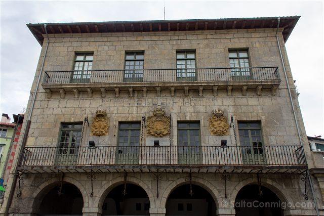 Bizkaia Costa Vasca Lekeitio Ayuntamiento