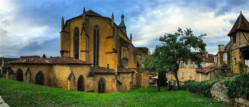Francia Aquitania Sarlat Catedral San Sacerdos Panoramica