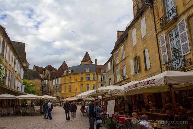 Francia Aquitania Sarlat Plaza Liberte Terrazas